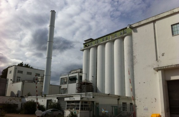 Shredded Wheat factory, Welwyn Garden City (c) Elizabeth Hopkirk