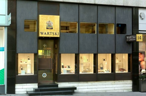 Exterior extraordinaire wartski of mayfair listed at for Shops exterior design