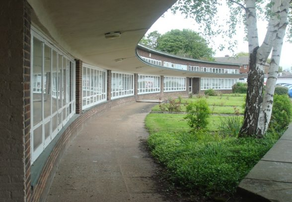Three Lane Ends Infants' School, Whitwood Mere, Castleford, Yorkshire, by Oliver Hill, 1940